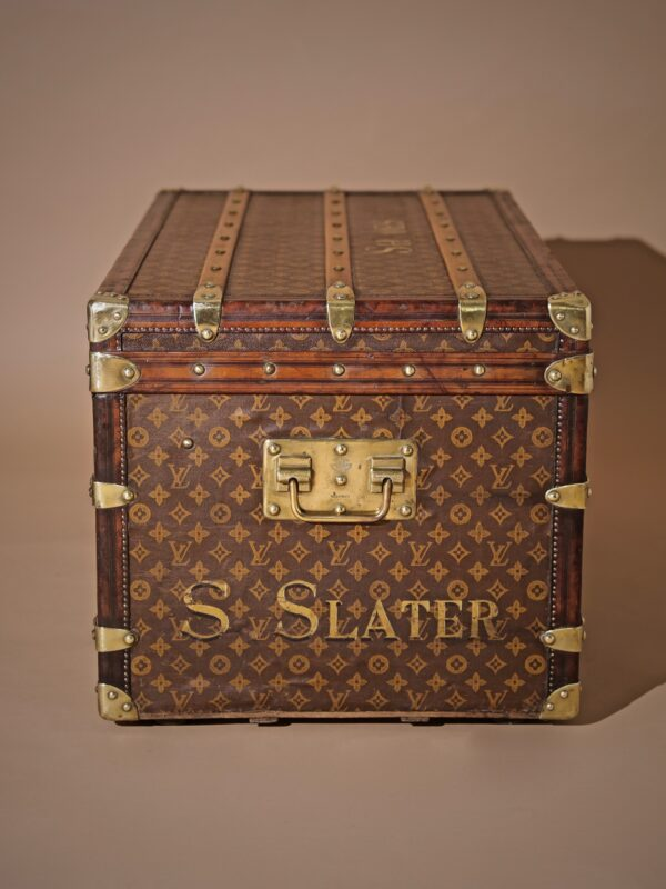 well-traveled-trunk-louis-vuitton-thumbnail-product-5725-5