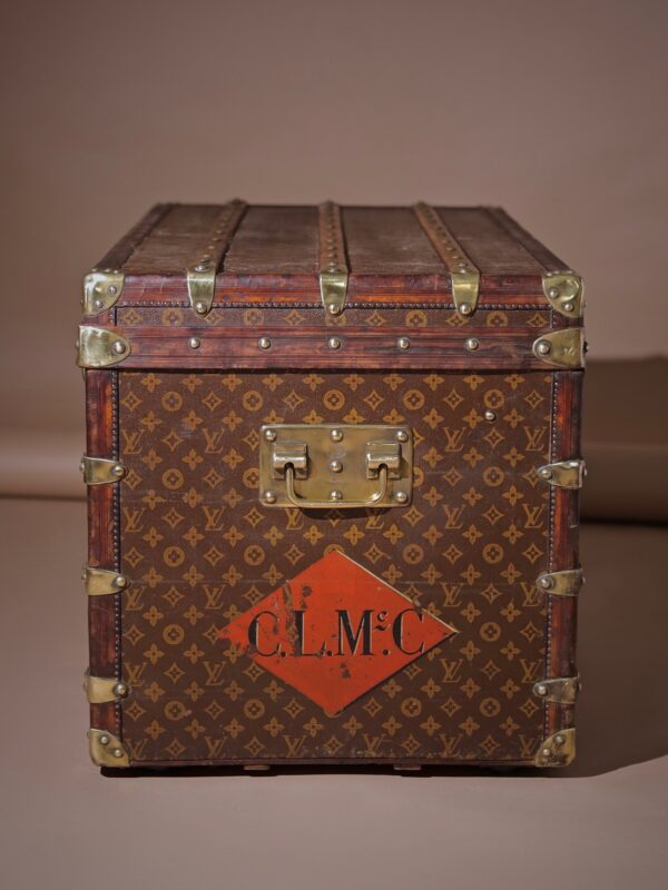 well-traveled-trunk-louis-vuitton-thumbnail-product-5725-6