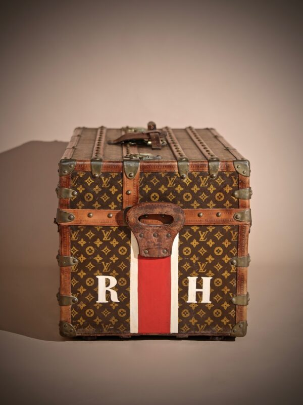 the-well-traveled-trunk-louis-vuitton-thumbnail-product-5734-9